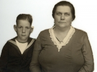 1935 Oma van Dalen en Wim Strijbosch