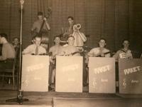 1939 Wim Strijbosch op de contrabas